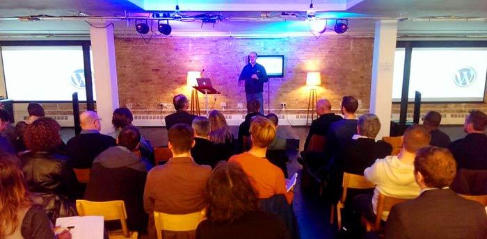 rob cubbon talking at the london wordpress meetup group