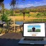 laptop-in-pai-displaying-screen-about-free-training-videos